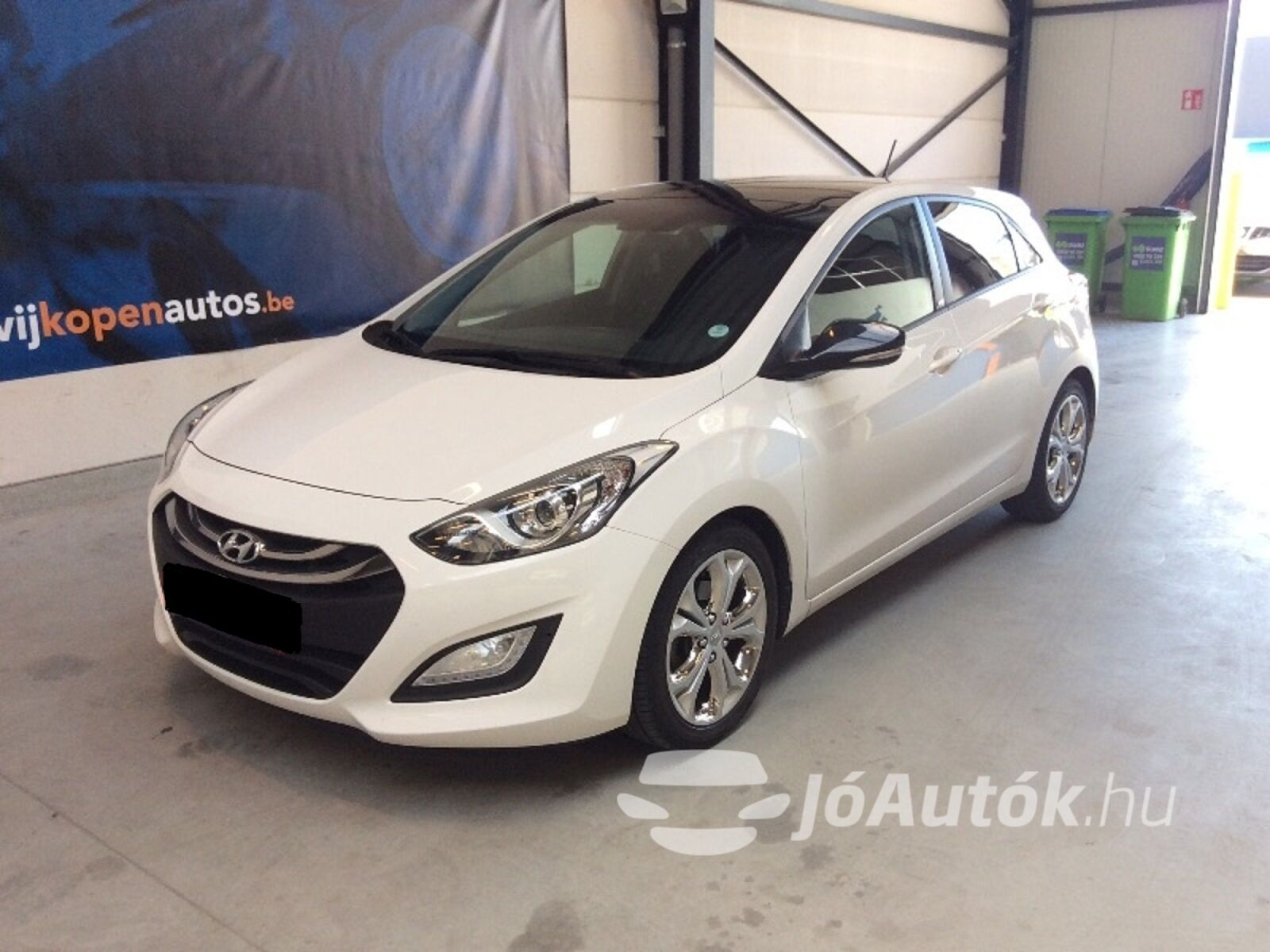 HYUNDAI i30 1.6 CRDi LP Business - bal eleje