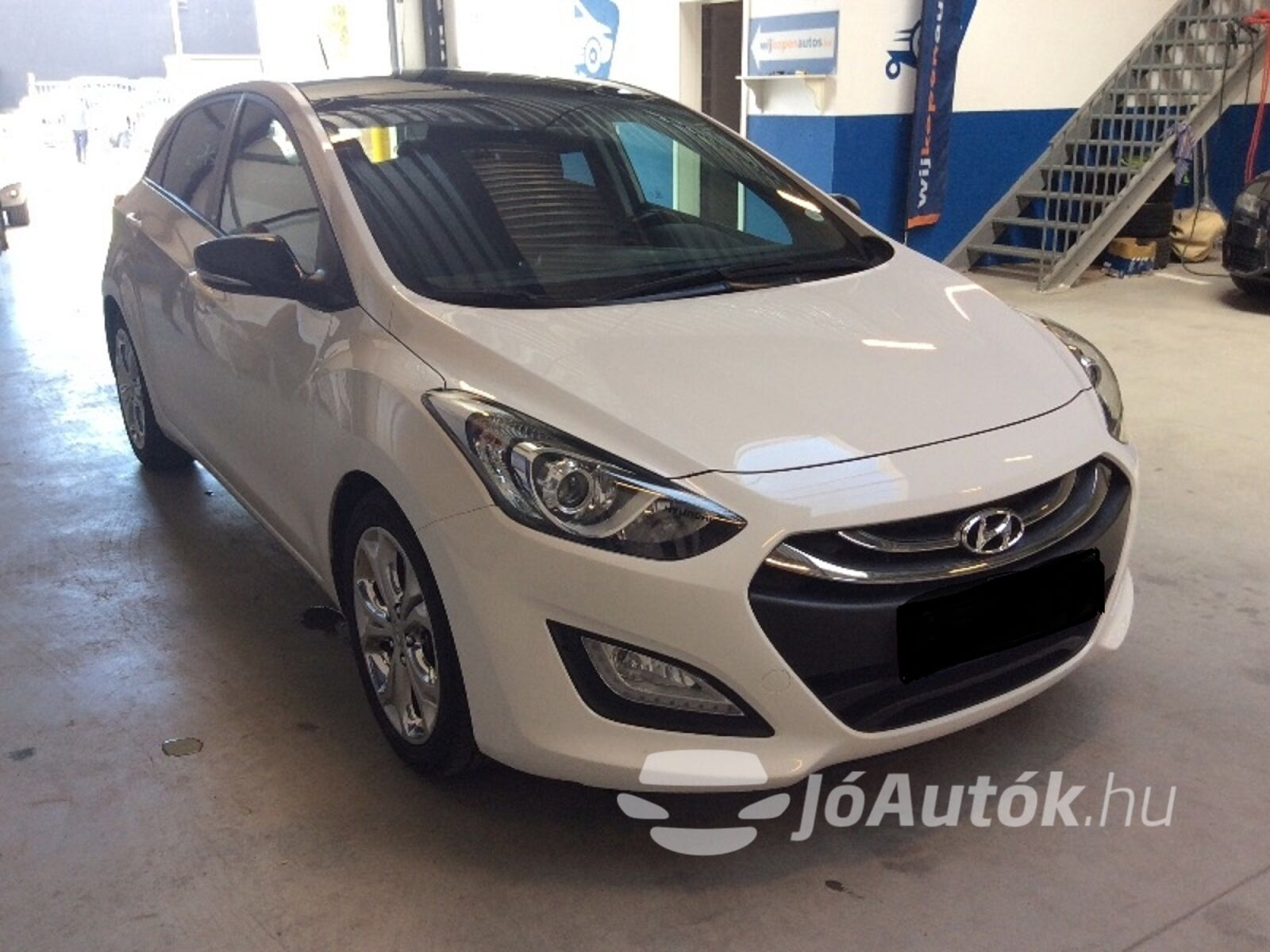 HYUNDAI i30 1.6 CRDi LP Business - jobb eleje