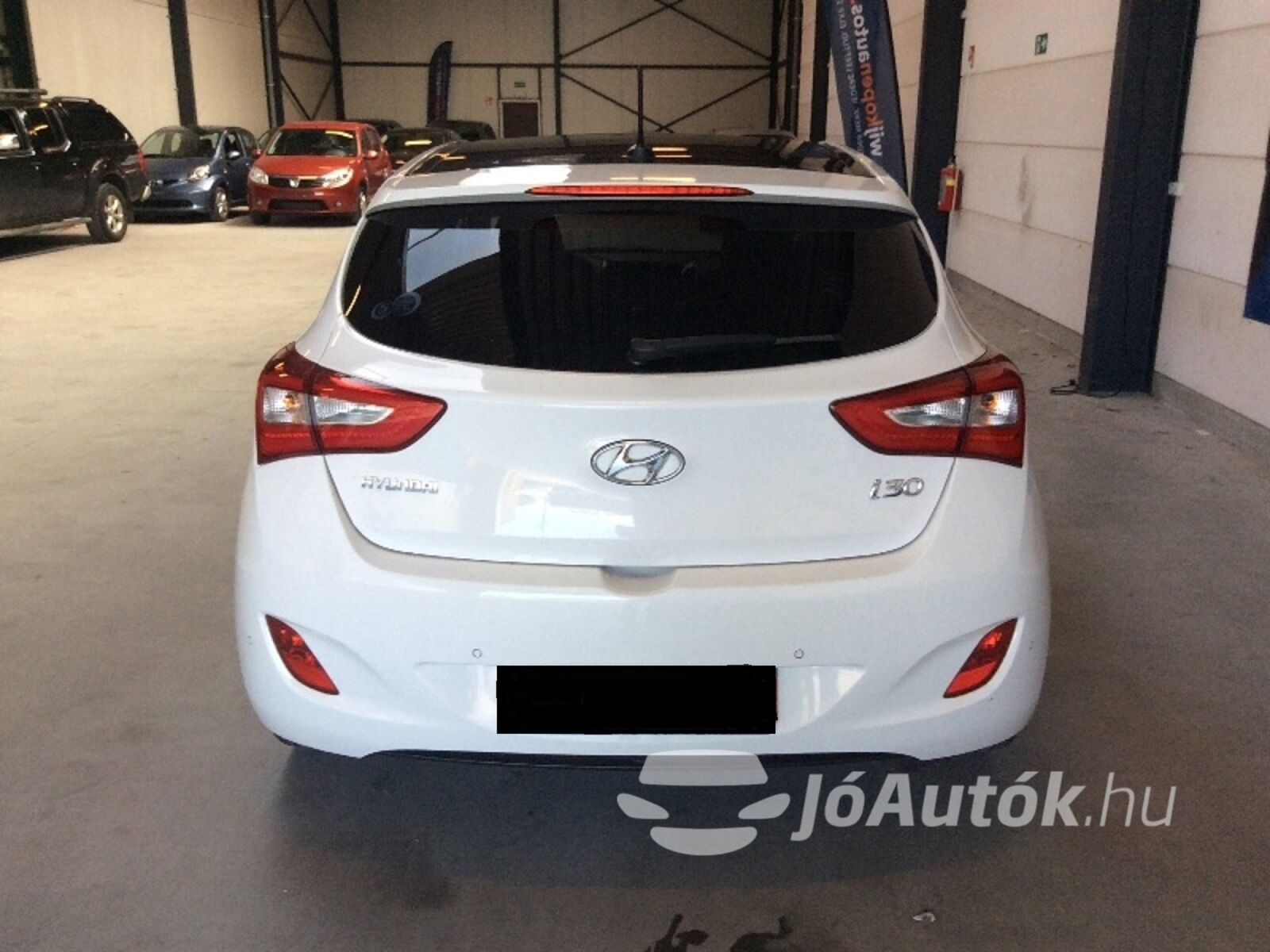 HYUNDAI i30 1.6 CRDi LP Business - hátoldala